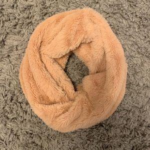 H&M Accessories - H&M pink faux fur scarf